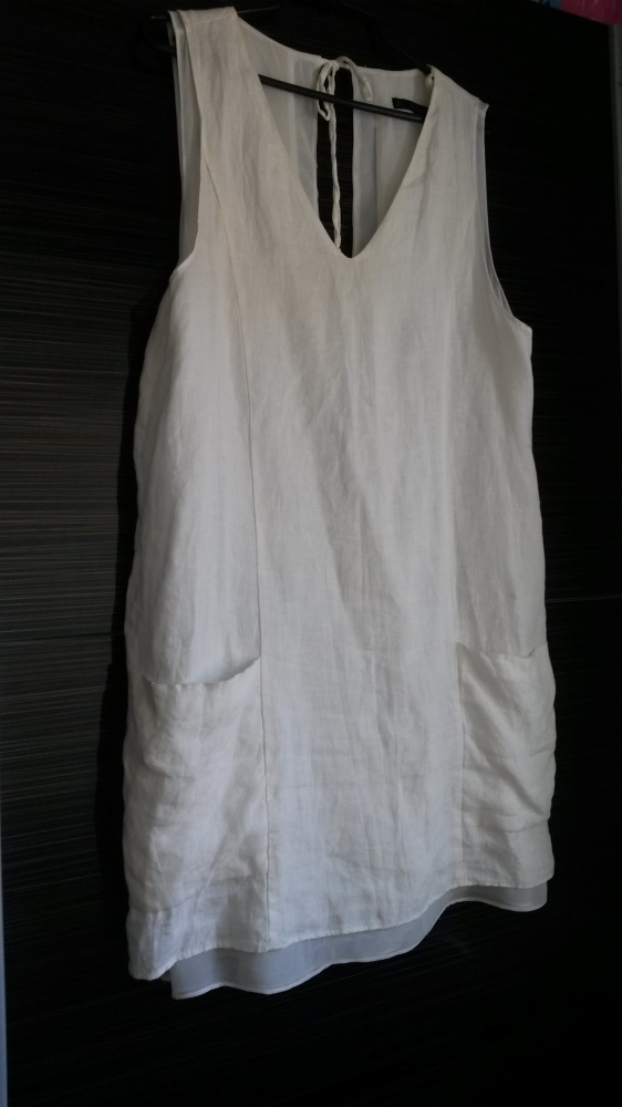 sukienka biała zara wyprzedaż