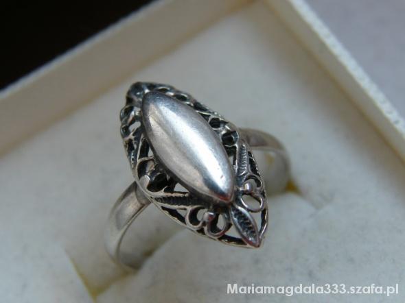 Piękny ażurowy ze srebra