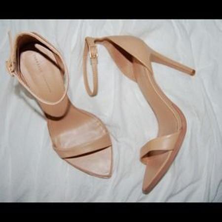 Buty sandałki na obcasie Zara nude cieliste...