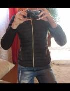 Czarna kurtka pikowana rozmiar M