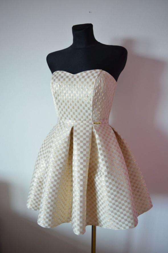 Suknie i sukienki Złota sukienka rozkloszowana S