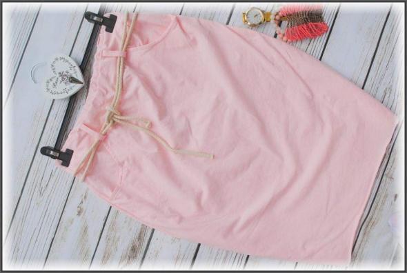 Rożowa spodnica midi 40 42