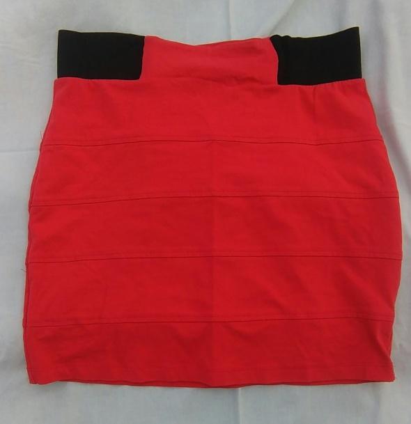 Spódnice ołówkowa czerwona spódniczka