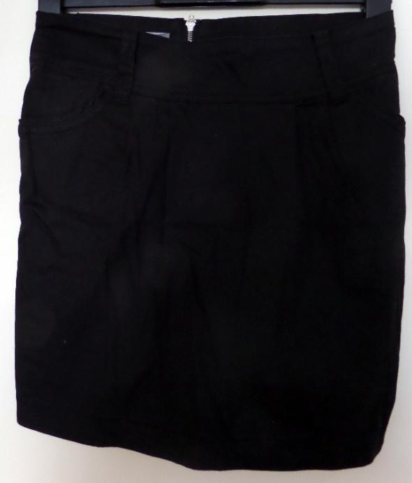 Spódnice Czarna ołówkowa mini