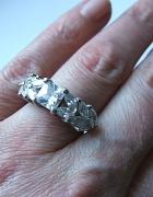 cyrkonie zakute w srebro 925 duży pierścionek