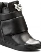Carinii sneakersy B3572 rozm 37 szukam...
