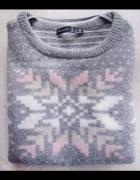 Śliczny wełniany sweterek płatek śniegu szary różo