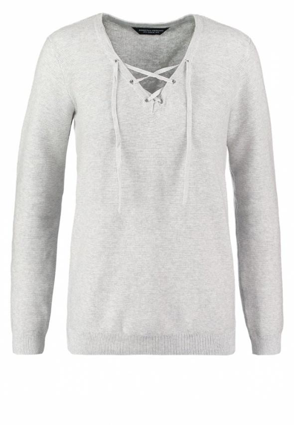 Ubrania sweter sznurowany dekolt perkins