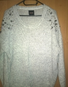 Miękki szaro biały krótki sweter rozmiar 40...