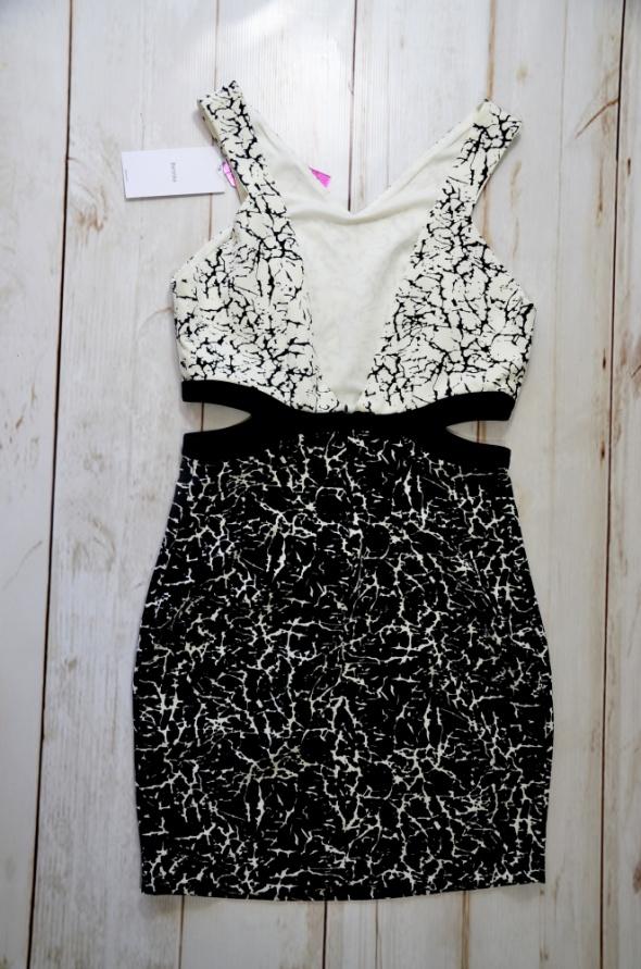 BERSHKA sukienka MINI print WYCIĘTE BOKI sexy M