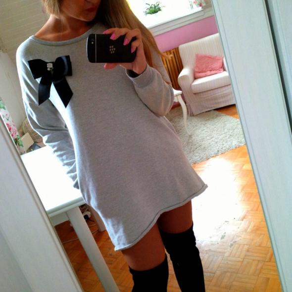 Mój styl Dresowa sukienka kokarda