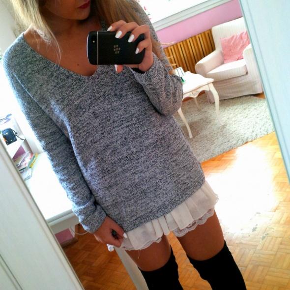 Mój styl Sweter z koronką