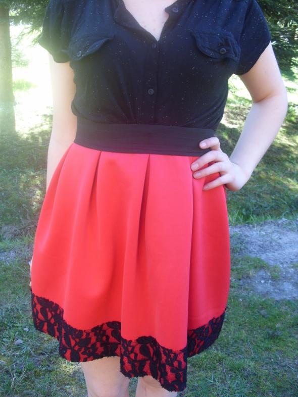 Spódnice Nowa czerwona spódnica piankowa rozkloszowana koro