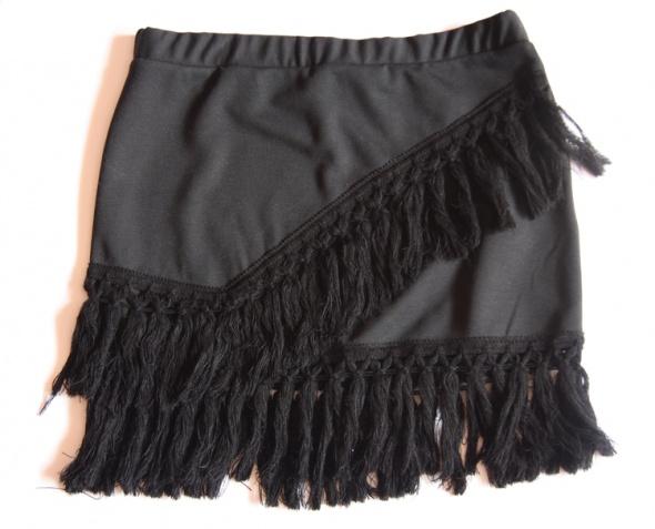 Spódnice Pull&Bear spódnica czarna mini frędzle boho