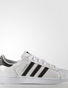 Białe adidas superstar...