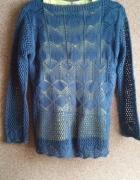 Śliczny ażurowy sweterek