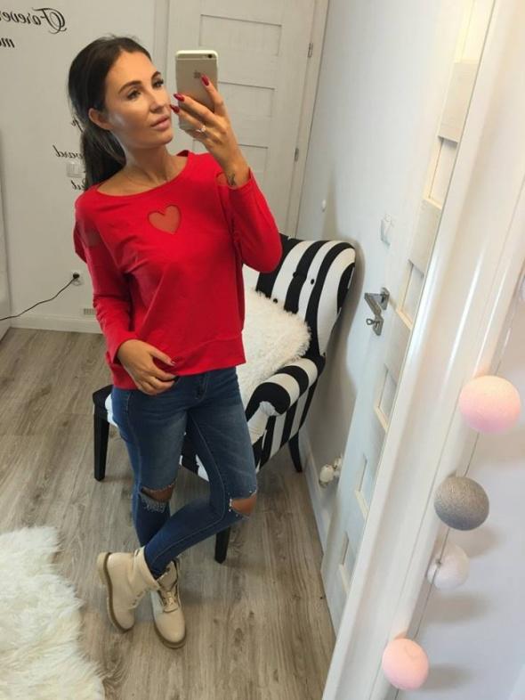 Mój styl czerwona bluza serduszka