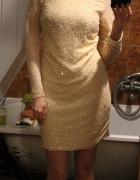 Błyszcząca sukienka...