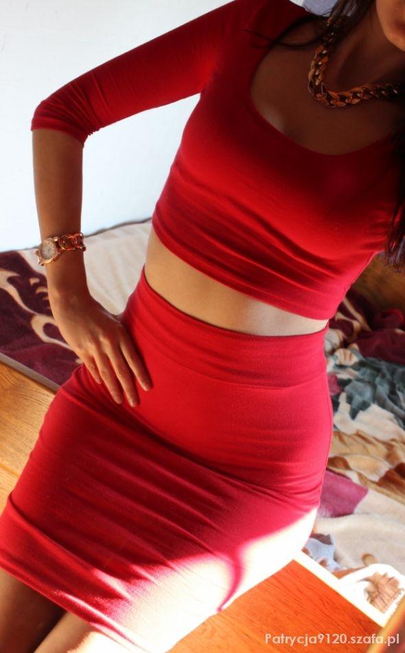 czerwony komplet