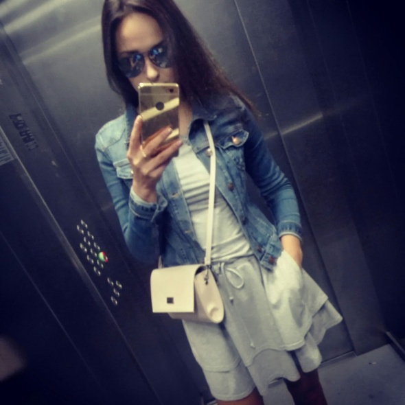 Codzienne Sportowa szara sukienka