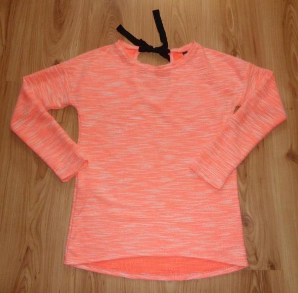neonowa różowa bluzka wiązana na plecach Pimkie M