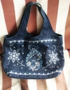 Urocza mała dżinsowa torebka z ślicznym wzorem...