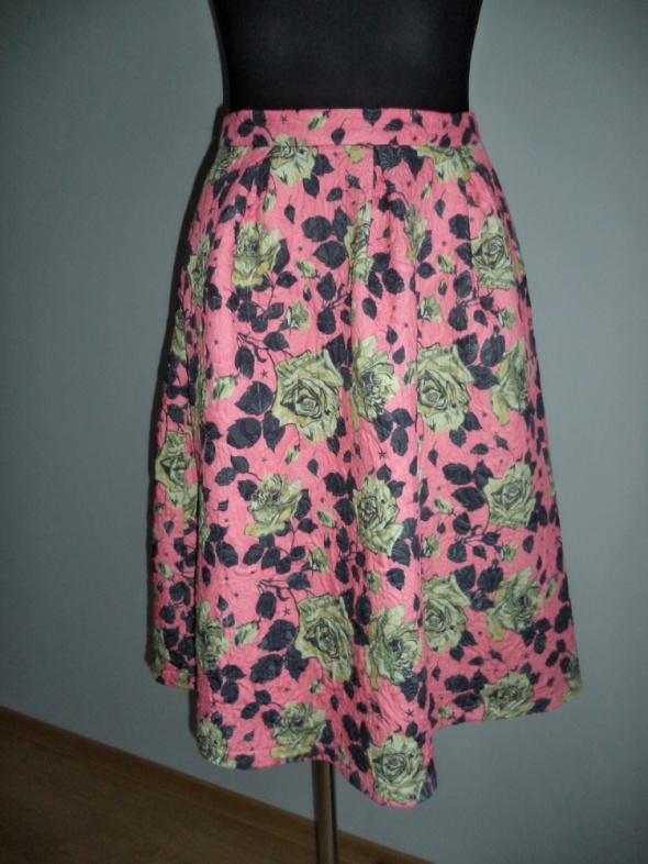 Spódnice Spódnica pikowana rozkloszowana