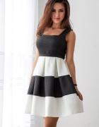 Elegancka sukienka w duże pasy na wesele