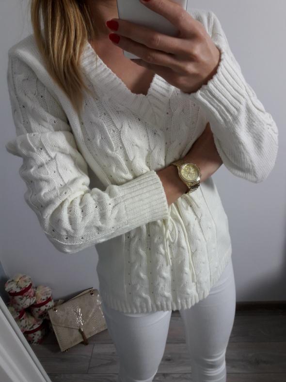 Jasny sweter ecru M L