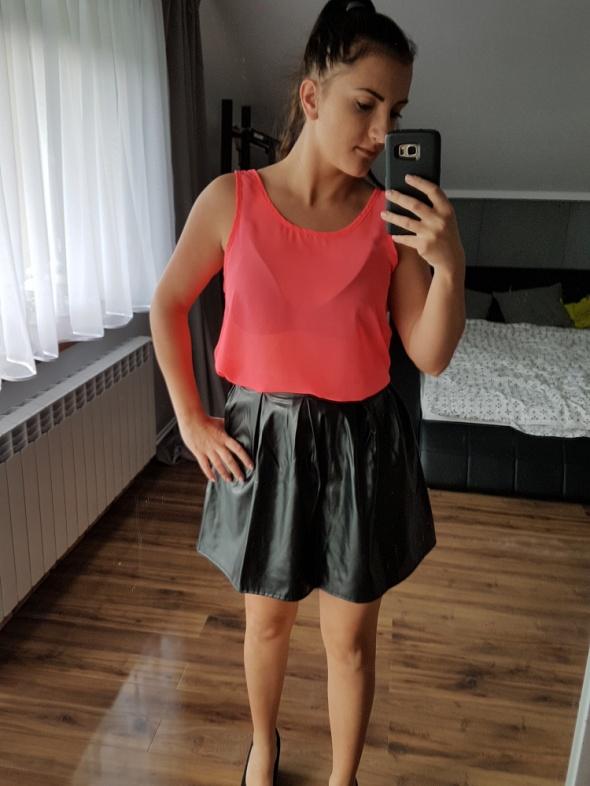 Spódnice a la skórzana czarna spódniczka