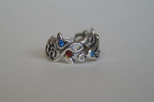 ażurowy pierścionek