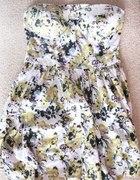 sukienka floral z wycięciem na plecach
