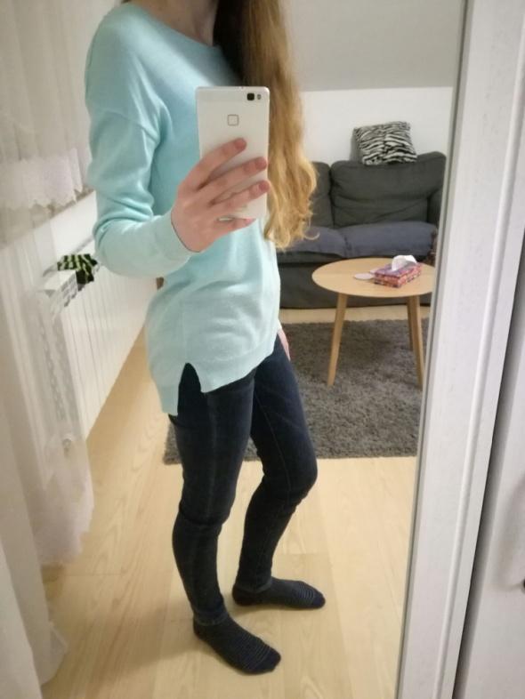 Codzienne Miętowy sweterek