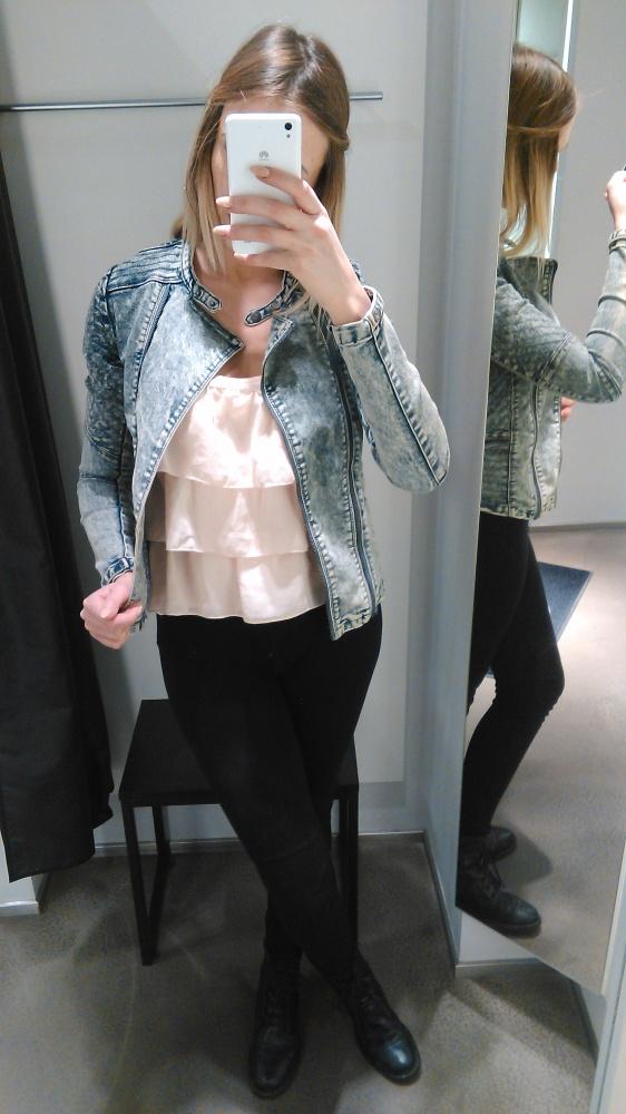 Codzienne marmurkowy jeans&pudrowe falbanki&czerń
