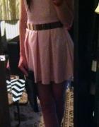 rozkloszowana sukienka pasek złota blaszka...