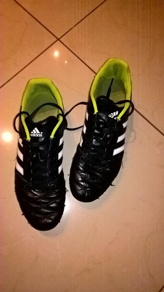 Obuwie Korki buty piłkarskie