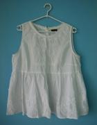 Biała bluzka w stylu boho