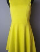 rozkloszowana neonowa limonkowa sukienka Cameo Ros