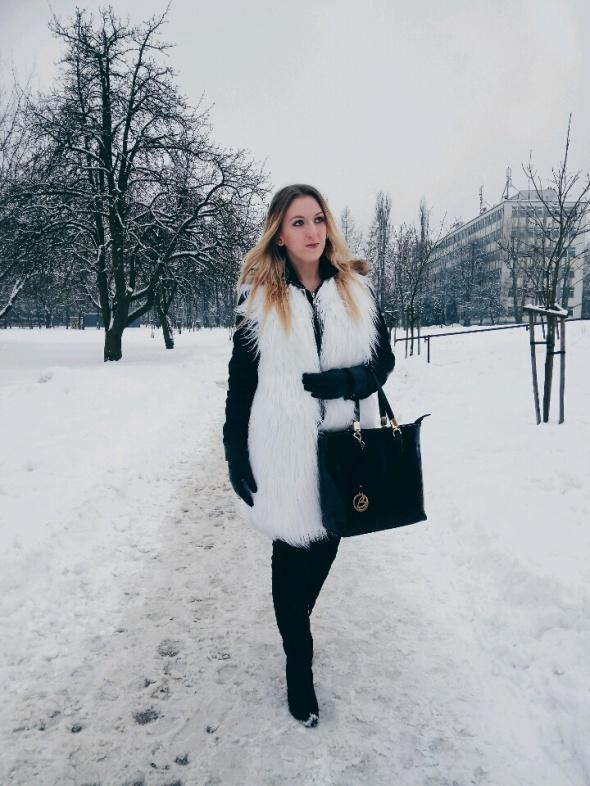 Blogerek Biały futrzaczek