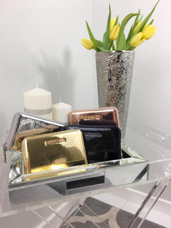 4849fb9c16ca8 Metaliczny portfel nowy w Portfele - Szafa.pl