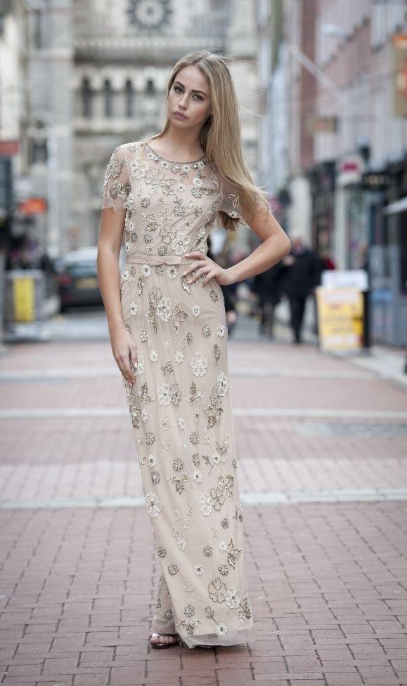 Suknia nude zdobiona