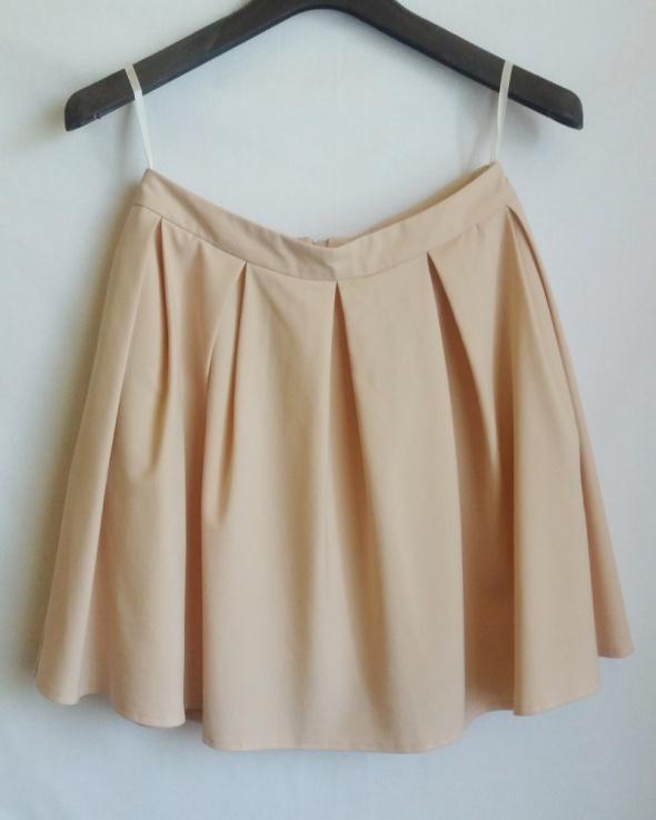 rozkloszowana spódnica mohito