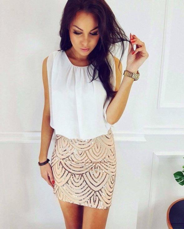 Romantyczne biało złota sukienka