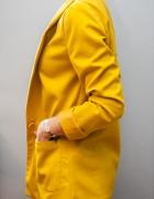 Żółta marynarka