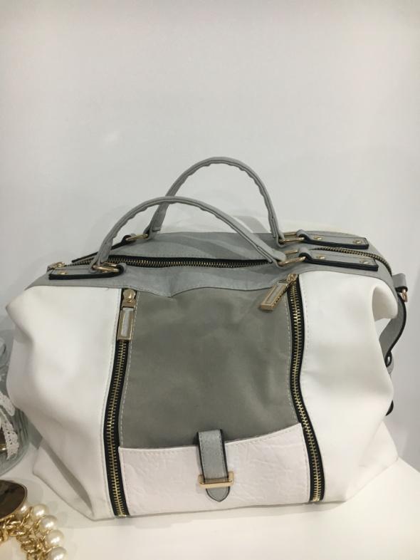 a59101e1536f9 Biało szara torebka New Look bardzo pojemna w Torebki na co dzień ...