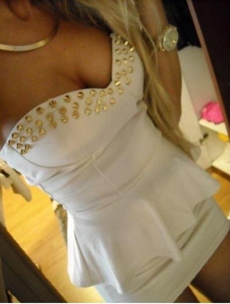 sukienka baskinka ćwieki biała