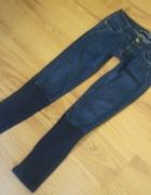 Jeansowe spodnie 36 BERSHKA