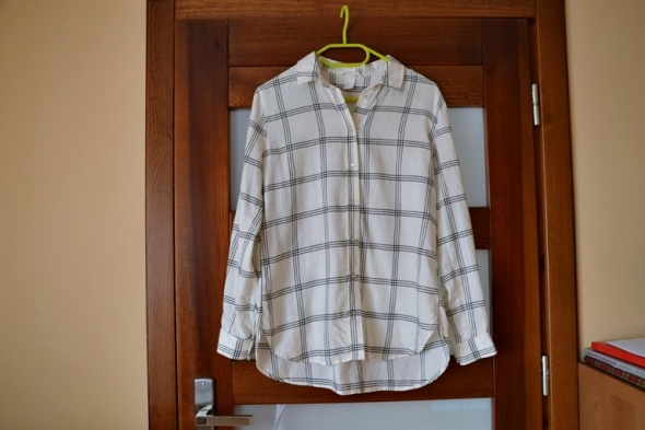 764ce5da3c15d9 biała koszula flanelowa w kratkę hm xs jak nowa w Koszule - Szafa.pl