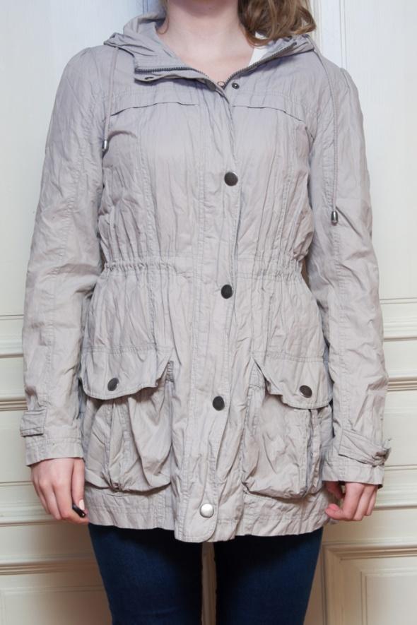 Odzież wierzchnia Płaszcz szary cienki na deszcz z kapturem C&A