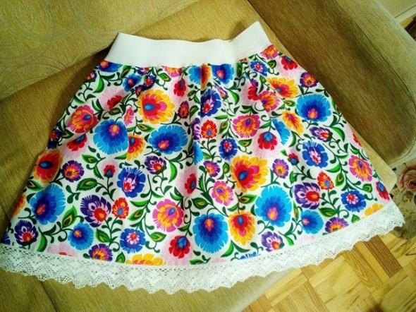 Folkowe spódnice